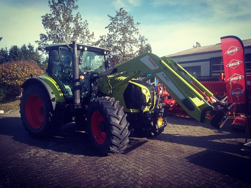 Traktor Claas Arion 650 - Cebis