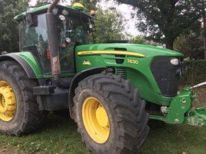 Traktor John Deere 7830