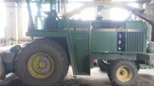 Řezačka John Deere 6810