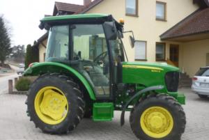 Traktor John Deere 5050E