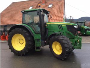 Traktor John Deere 6210R